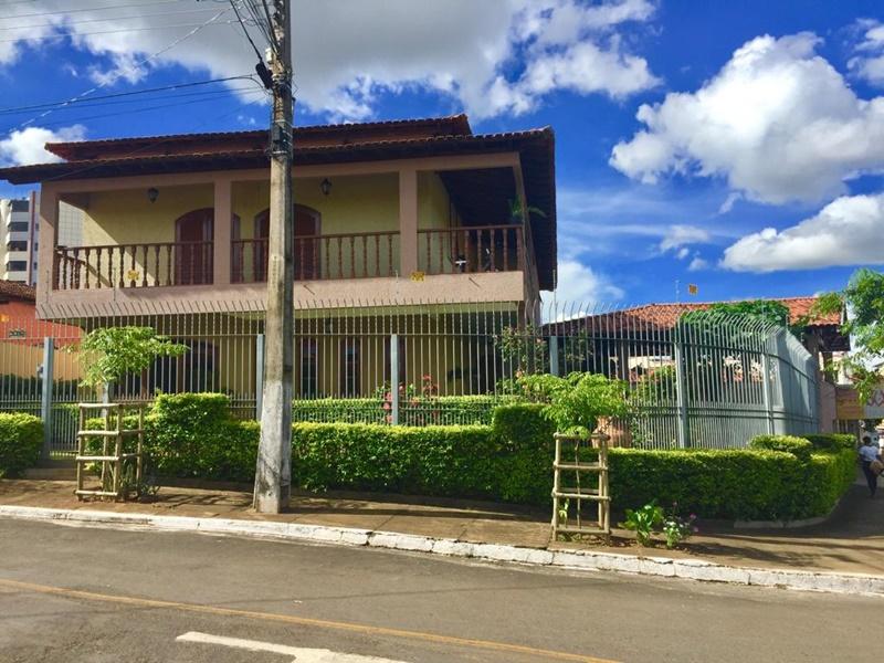 Casa ampla com Frente para Nascente do Sol